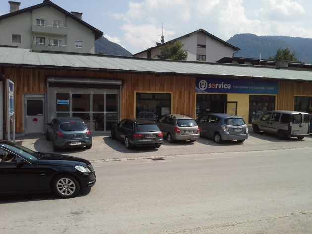 Büro- und Verkaufsflächen MT Service